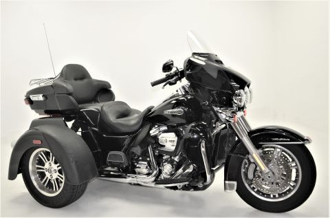 Pre-Owned 2018 Harley-Davidson Tri Glide Ultra Classic